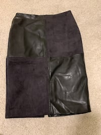 Ivanka Trump leather and suede knee skirt Coquitlam, V3J 0B6