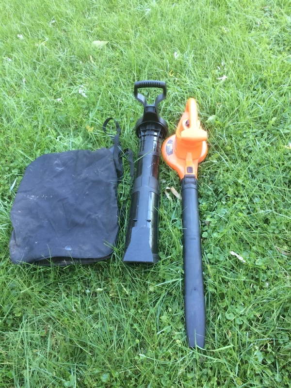 yellow and black gas string trimmer