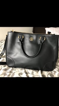 Authentic Tory Burch Black Textured Leather Robinson Double Zip Tote Richmond, V7A 1N5