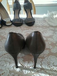 Woman's dress shoes 7 and 1/2 Henderson, 89015