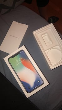 iPhone X - BOX ONLY New York, 11377