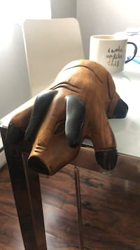 Decorative wooden pig Longueuil, J3Y 5H3