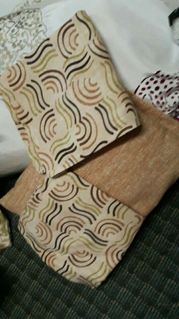 Cushion with 2 add. matching covers