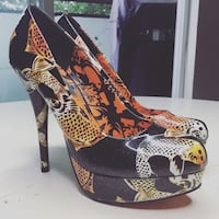 BRAND NEW - JUST FABULOUS Koi Heels Size: 9.5 (W) Price: $29. Vancouver, V5L 3C9