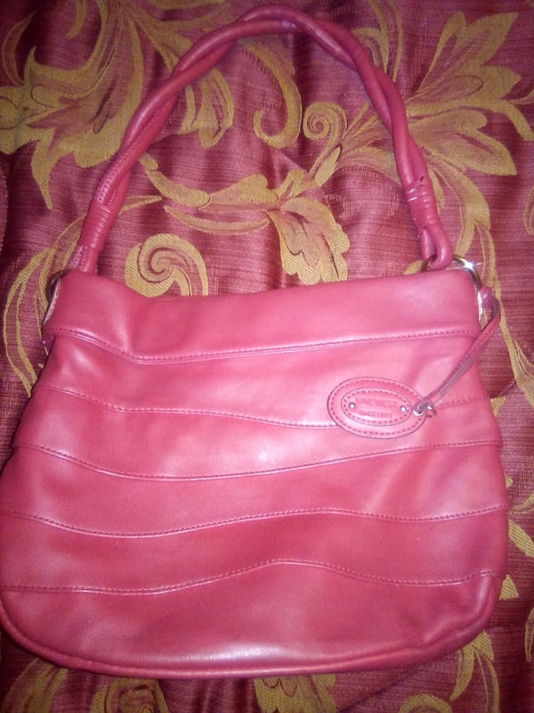 Nine West bag 22a0ed1e-2a5b-4ac3-bf47-8c71a65c226f