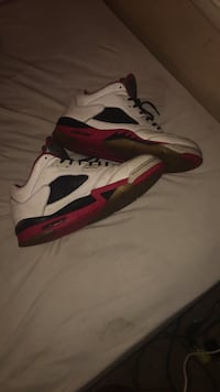 white-and-red Air Jordan 5 shoes Brunswick, 21716
