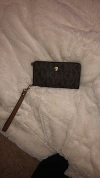 black Michael Kors leather wristlet Newberg, 97132