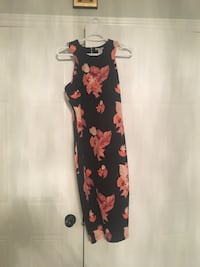 Black and red floral sleeveless dress Vaughan, L4J 7B3