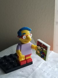 Lego minifigure - Simpson with book Surrey, V3W 2A1