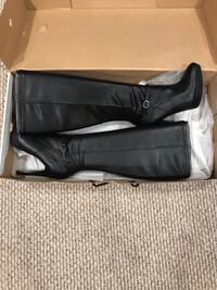 Nine West Boots 7.5 Shoreline, 98155