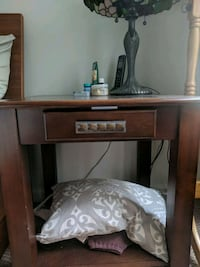 Large walnut end table with drawer Rockville, 20850