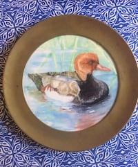 Collective duck plate with gold rim Vancouver, V6H 1S7