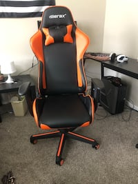 Unopened Gaming Chair (includes back pillow) 470 mi