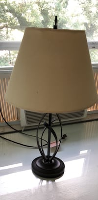 black metal base with white lampshade table lamp Garden City, 11530