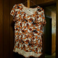 women's white and red floral blouse Blairsville, 30512
