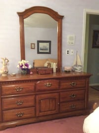 Bassett dresser with mirror. Excellent condition. Night stands available for additional cost. Hereford Zone. Must pick up