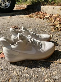 White tan dipped Kyrie's Chickasaw, 36611