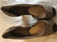 Michael Kors brown leather (size 9) sandals Toronto, M3H 3B1