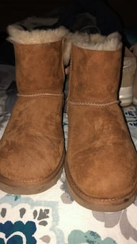 UGG BOOTS SIZE 8 brown new never worn Birmingham, 35214