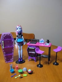 Monster high doll abbey with home ick classroom Niagara Falls, L2H 2E5