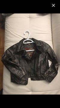 Girls faux leather bomber size 6x Toronto, M6P 2S1