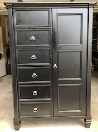 Chest of drawers highboy Fort Belvoir, 22309