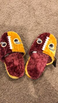 Redskin slippers never worn Seat Pleasant, 20743