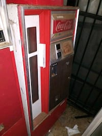 Old coke machine Summit