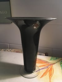 black and gray ceramic vase