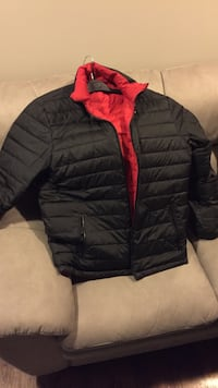 REVERSIBLE Down filled coat. Men's large  Burlington, L7L