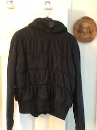 black zip-up bubble jacket Laval, H7W 1T6