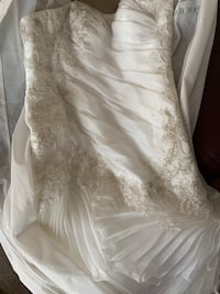 White floral l bling in all right places sleeveless wedding dress Glen Burnie, 21060