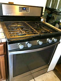 MOVING SALE WHIRLPOOL 5 BURNER GAS RANGE Southfield