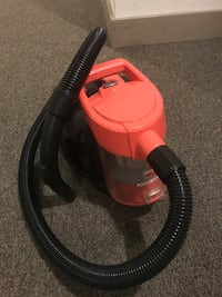 Orange and black bisell vacuum cleaner.i don't have other parts , it's bag less and suction is great  North Vancouver, V7K 2H4