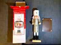Collectible nutcracker frame