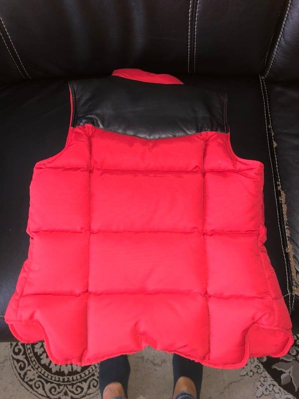 WOMENS MOOSE KNUCKLES VEST  6