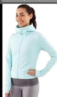 Lululemon hoodie ~ perfect condition ~ size 10 Surrey, V4N 6A2