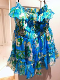 Lowered-BEBE- Xs -Floral Silk Shell Strapless Ruffle Top in Blue