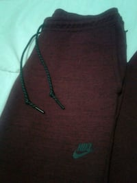 Nike tech dri fit jogger pants Surrey, V4N 0A6