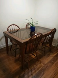 Dining table and 4 chairs Greater Landover, 20785