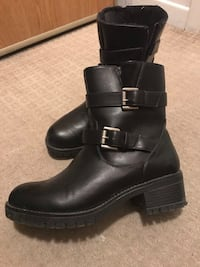 Boots size 7 women (almost new)