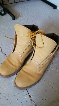 pair of brown leather work boots Tucson, 85713