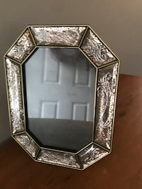 (Shabby Chic/French Country) Mirrored Frame Hagerstown, 21742
