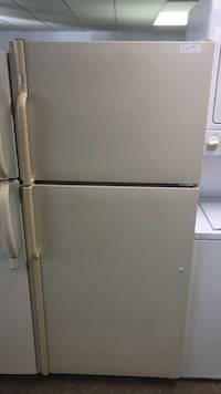 Maytag Top freezer