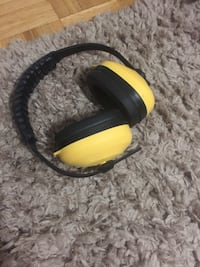 yellow and black cordless headphones Toronto, M9A