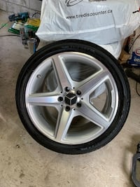 Original mercedes cls550 2013 rims with tires 18 inches Toronto, M6A