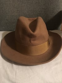 Men's fedora hat, new  27 km