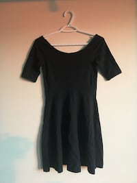 Aritzia size s fit and flare dress  London, N5X 4H6
