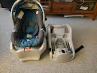 Greco Car Seat and 2 Bases  Grimsby, L3M 3W1