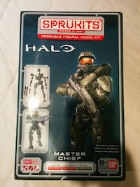 Master Chief model kit. Toronto, M4J 1E5